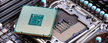 CPU socket and processor