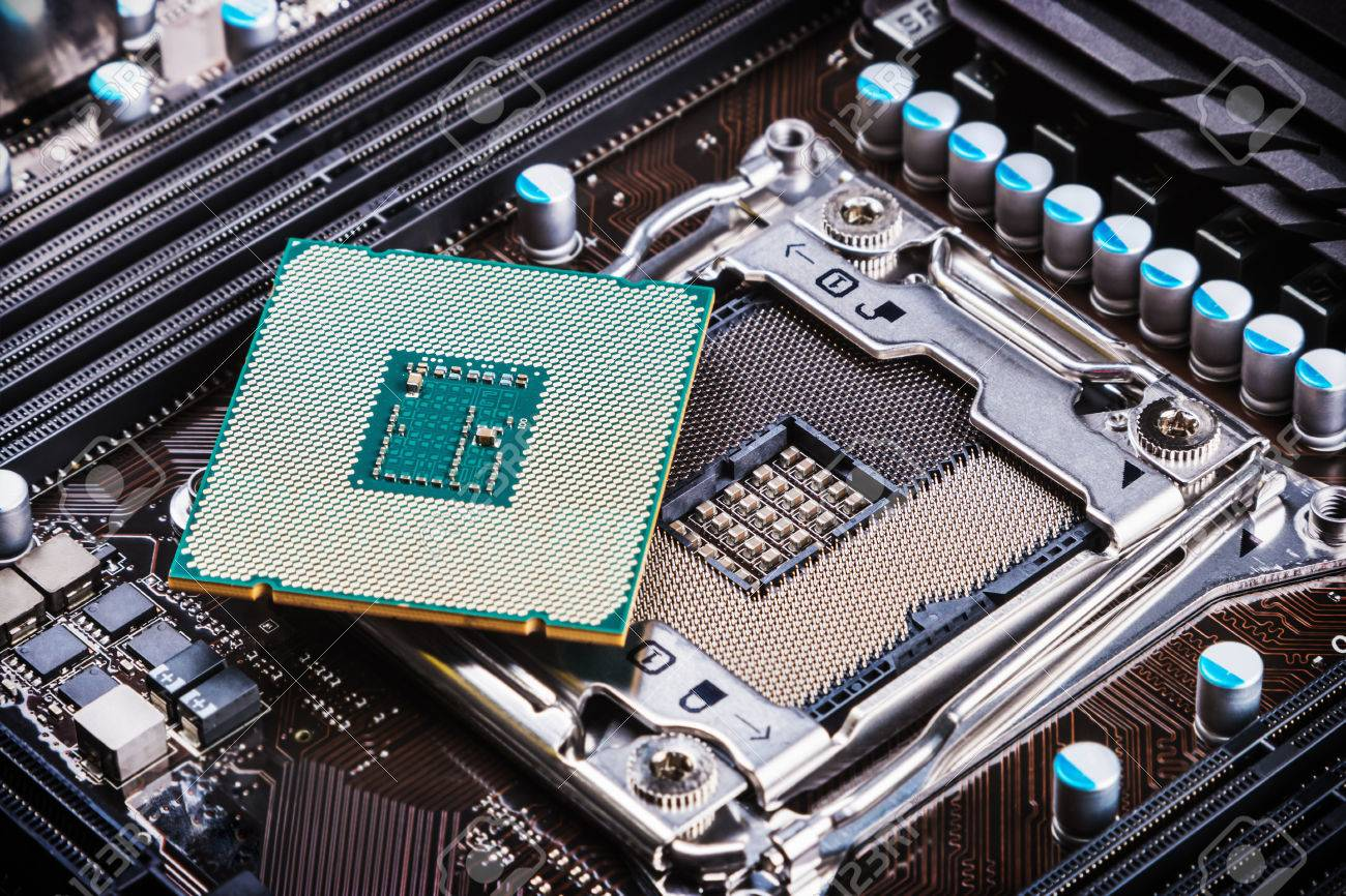 CPU socket and processor