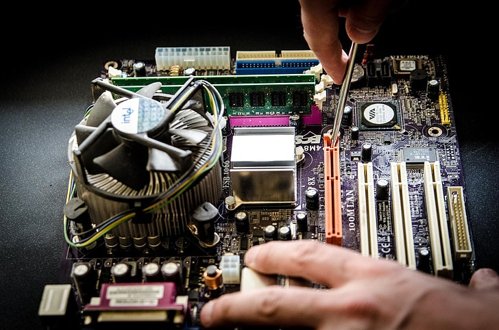 Which Is Faster PCIe or SATA